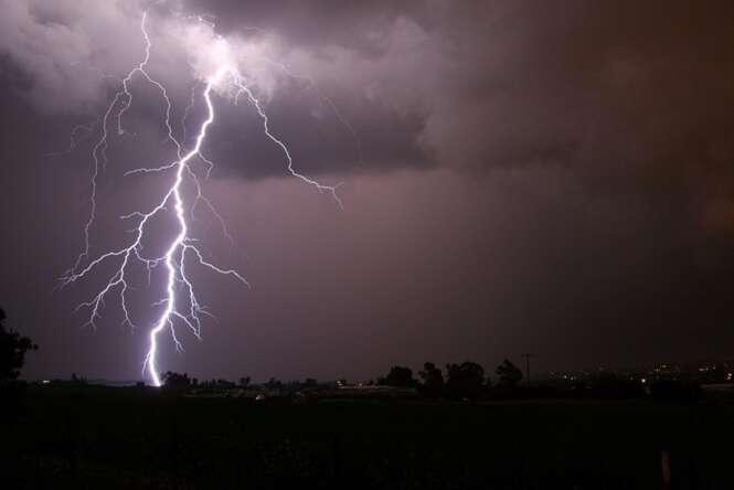 Fotos de relâmpagos que vão fazer você correr para casa na hora da chuva