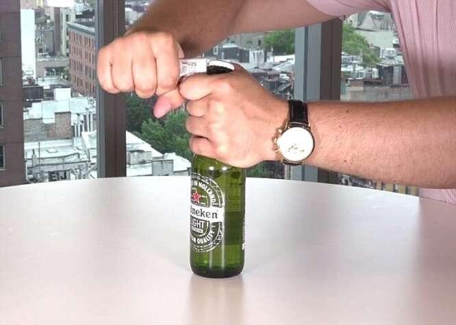 Maneiras criativas de abrir a cerveja sem usar um abridor de garrafas
