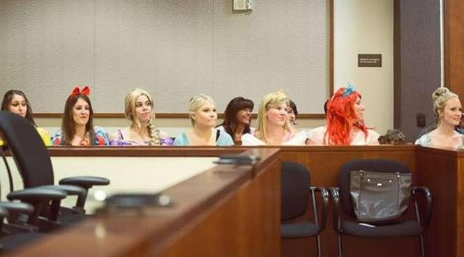Após participar de várias audiências sobre sua adoção, menina tem enorme surpresa no último dia do julgamento