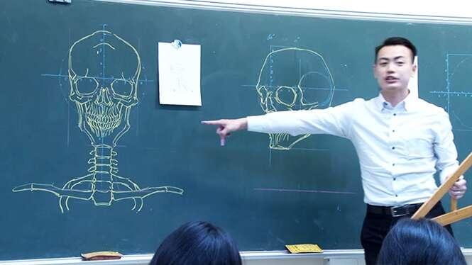 Professor chinês chama atenção com desenhos incríveis no quadro negro