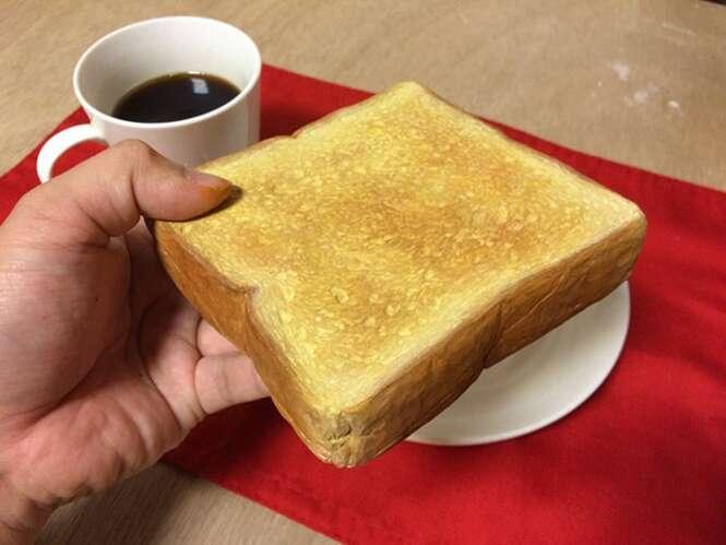 Artista cria esculturas realistas de alimentos feitas de madeira