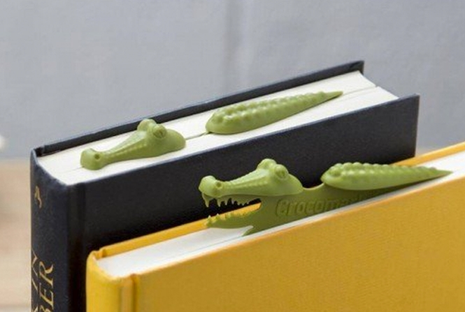 Marcador de livros em formato de crocodilo