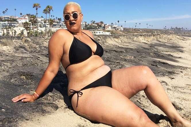 Mulher documenta em imagens a primeira vez que usou biquíni na praia