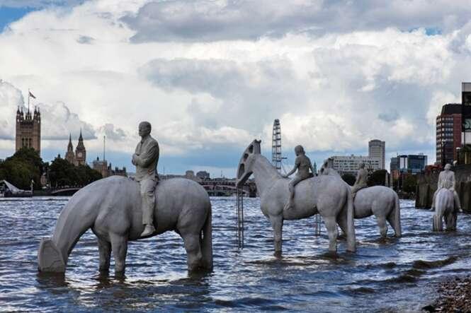 Conheça as estátuas impressionantes que só podem ser vistas duas vezes por dia