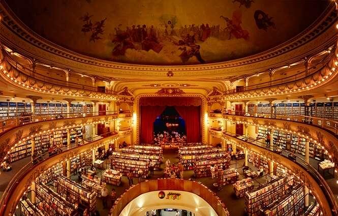 Teatro de 100 anos é convertido em fantástica biblioteca
