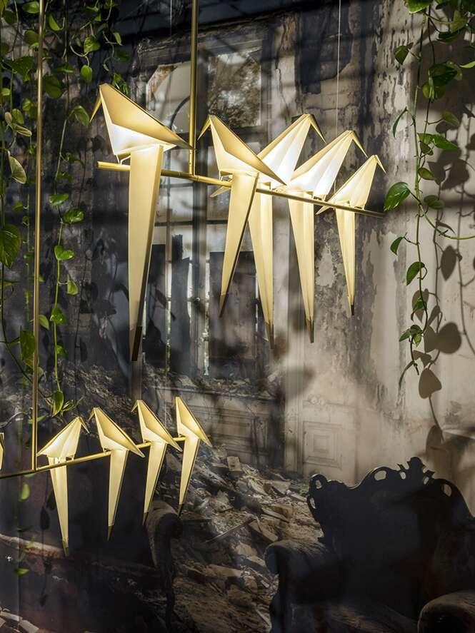Que tal iluminar sua sala com ajuda de origamis?