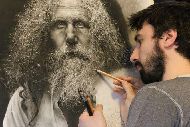 Artista dedica 100 horas para criar desenhos hiper-realistas usando técnicas renascentistas