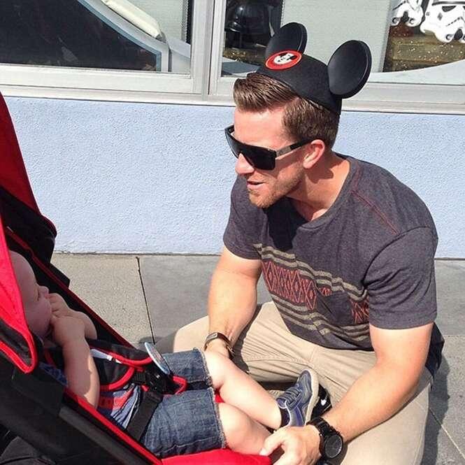 Perfil Instagram faz sucesso ao mostrar pais passeando na Disney com seus filhos