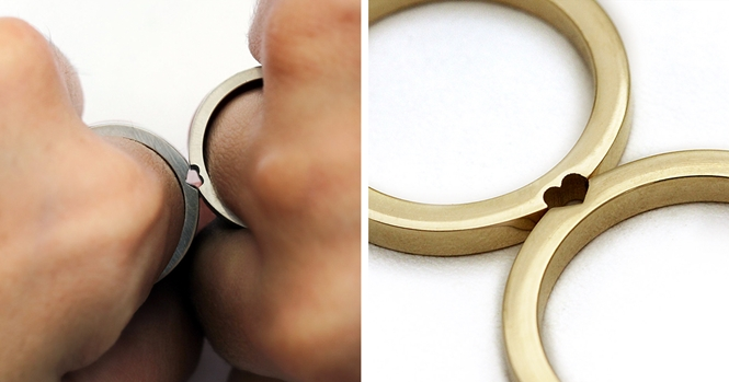 Estes anéis de casamento se tornam um só quando combinados