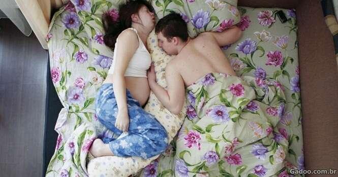 Fotos doces de futuros pais e mães sonhando com a chegada de seus bebês