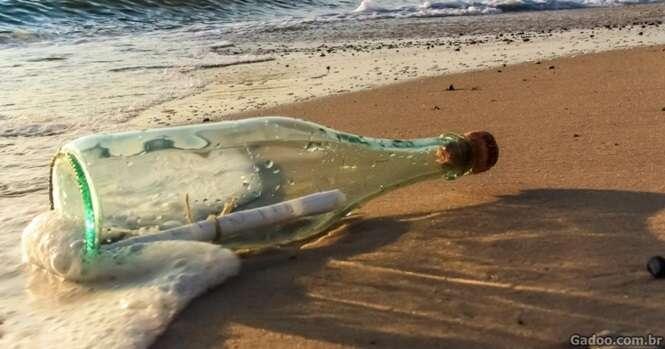 Casal encontra a mais antiga mensagem em garrafa da história