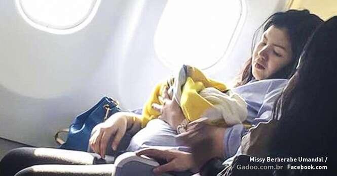 Companhia aérea dá incrível presente a bebê nascido durante voo