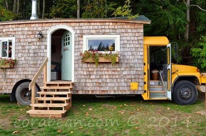 Antigo ônibus escolar é transformado em incrível casa móvel