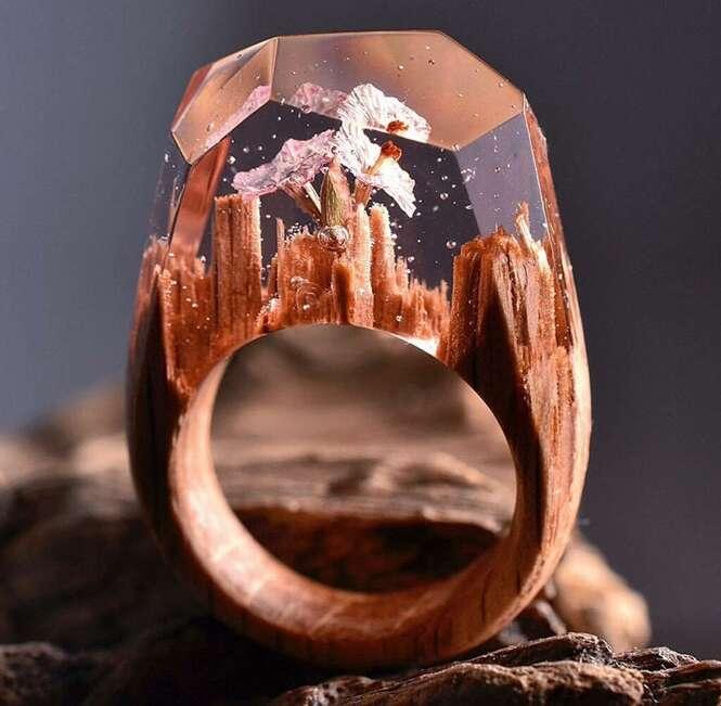 Anéis de madeira trazem mundos incríveis em miniatura