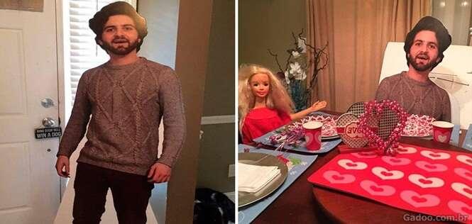 Filho sai de casa, envia pôster de si próprio em tamanho real para sua mãe e se arrepende rapidamente