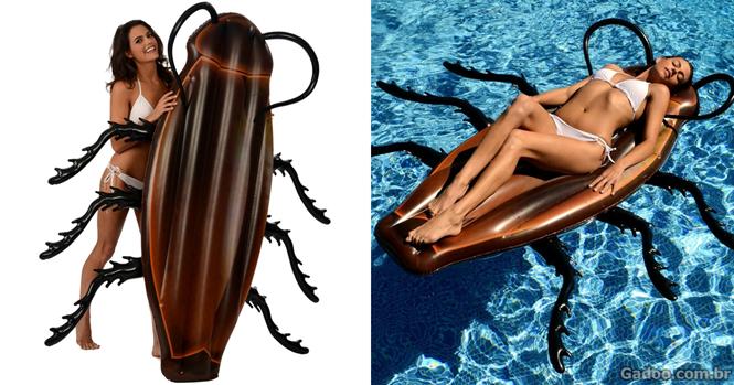 Aterrorizante barata inflável vai fazer seus dias na piscina se tornarem mais divertidos