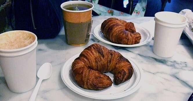 A França se tornou o primeiro país no mundo a proibir copos, talheres e pratos plásticos