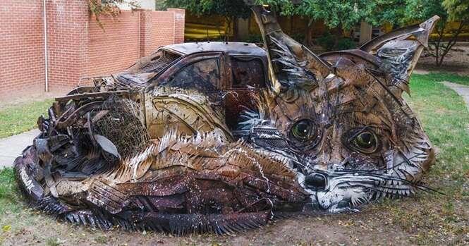 Artista transforma lixo em animais para nos conscientizar sobre a poluição