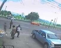 Vídeo: espírito de vítima de acidente de trânsito supostamente sai do corpo