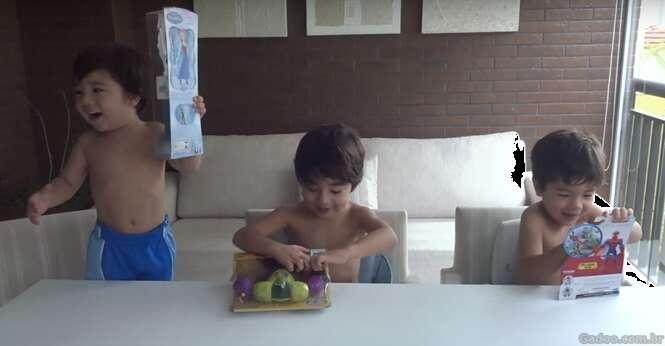 Vídeo: Menino ganha boneca como presente e fica muito feliz