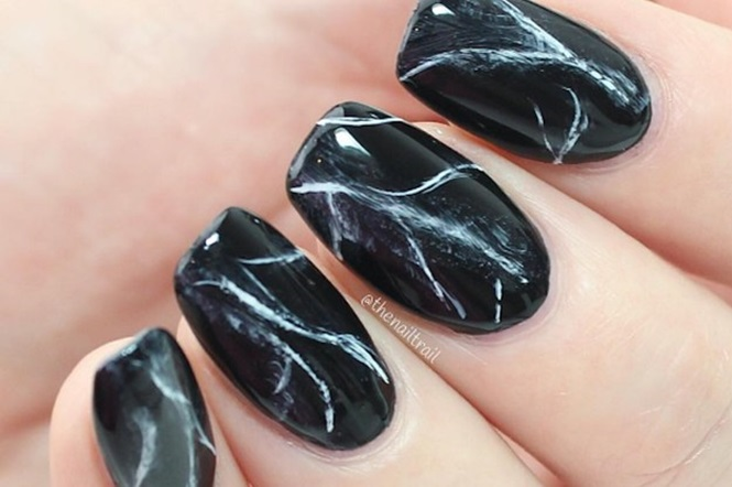 Ideias sensacionais para as unhas usando esmalte preto