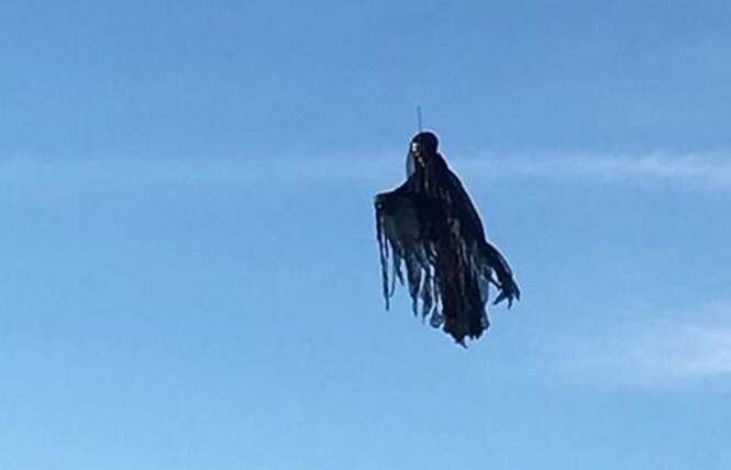 Homem faz seu próprio dementador e, com ajuda de drone, assusta vizinhos