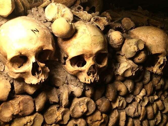 Existem restos mortais de 6 milhões de pessoas embaixo de Paris