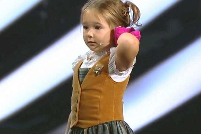 Acredite se quiser: esta menina de 4 anos de idade fala 7 idiomas