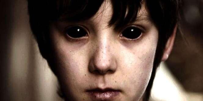 Você conhece as crianças que têm os olhos totalmente negros?
