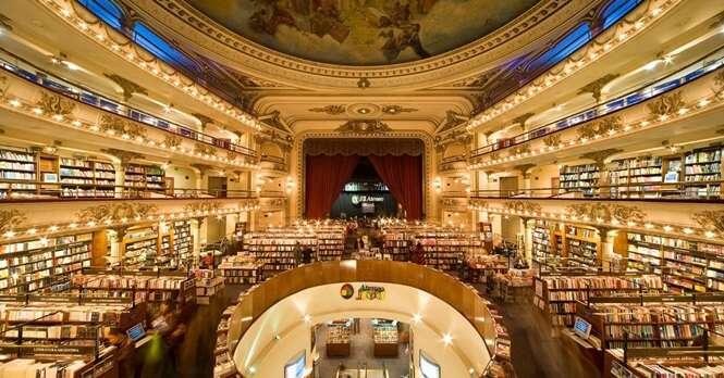 Este teatro centenário foi transformando na mais espetacular livraria do mundo