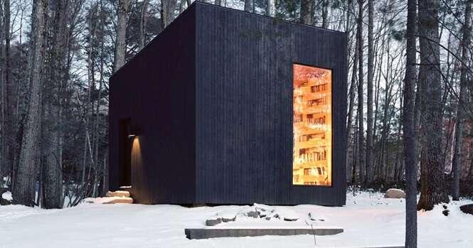 Esta biblioteca isolada na floresta é o sonho de todo amante de livros