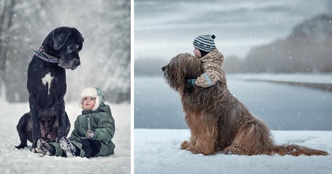 Fotos adoráveis de crianças pequenas e seus cães grandes