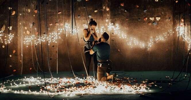Alpinista pede namorada em casamento de maneira romântica e original