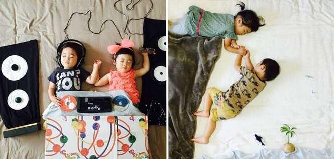 Mãe criativa bola aventuras para seus filhos gêmeos enquanto eles dormem