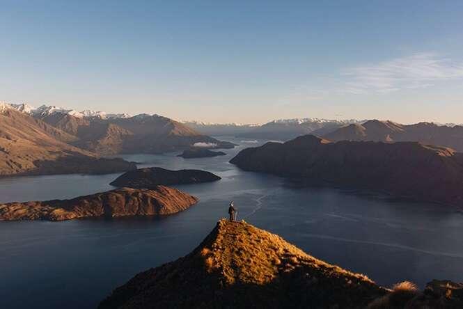 Fotógrafo viaja pela Nova Zelândia fantasiado de Gandalf e as imagens são épicas