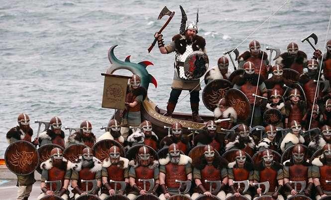 Estas são fotos épicas de um Festival Viking que ocorre na Escócia