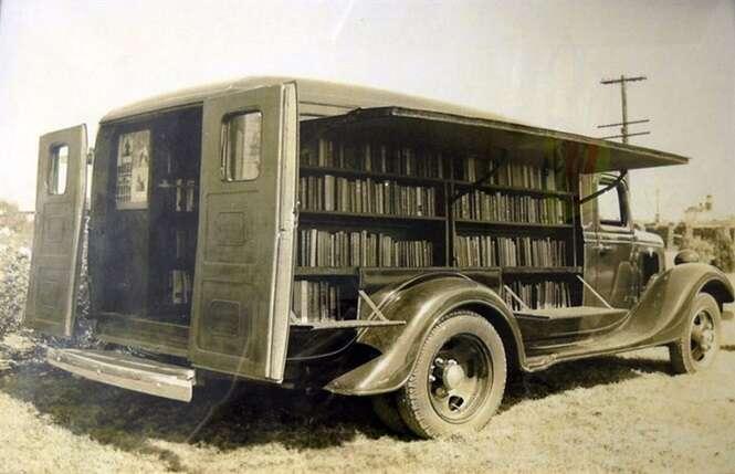Fotos raras de bibliotecas sobre rodas
