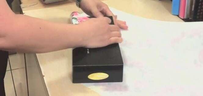 Vídeo ensina como embrulhar presente em apenas 15 segundos