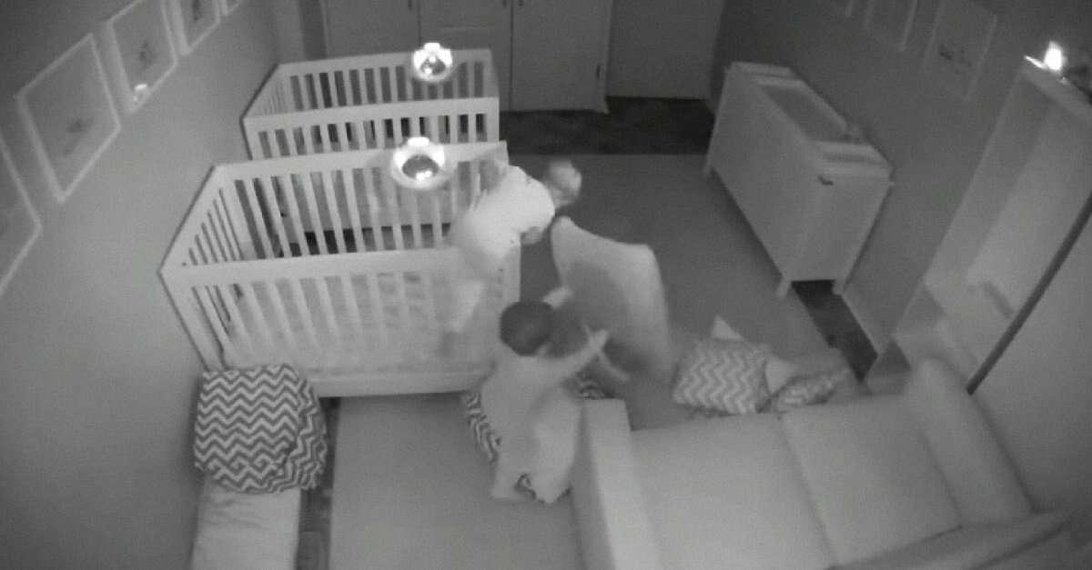 Vídeo: você não vai acreditar no que estes gêmeos fazem a noite