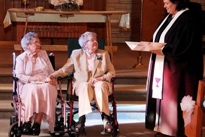 Fotos emocionantes de casamentos entre pessoas do mesmo sexo