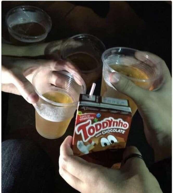 """Coisas que quem não bebe e sai com os amigos """"cachaceiros"""" vai entender perfeitamente"""
