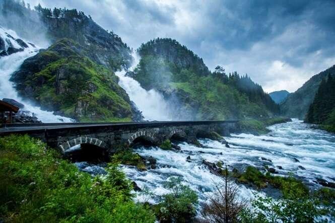 Pontes sensacionais que dão a impressão de nos levar a outra dimensão