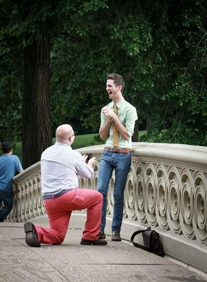 Pedidos de casamento entre pessoas LGBT registrados em fotos sensacionais