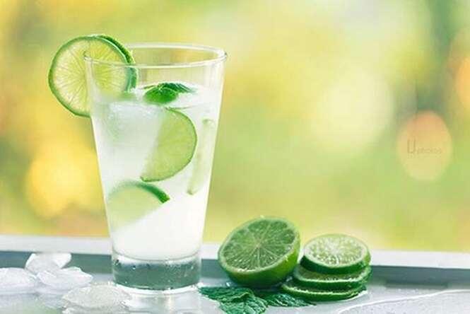 Aprenda uma maneira de usar limão e água para soltar o intestino