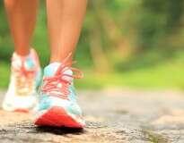 Uma caminhada diária de 30 minutos traz todos estes benefícios
