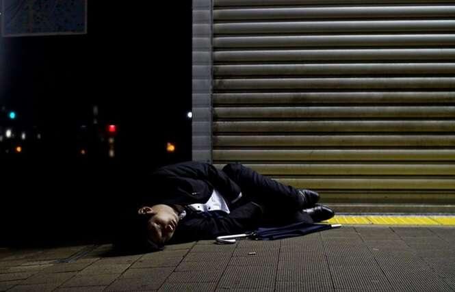 Fotos mostrando a estarrecedora realidade de trabalhadores no Japão