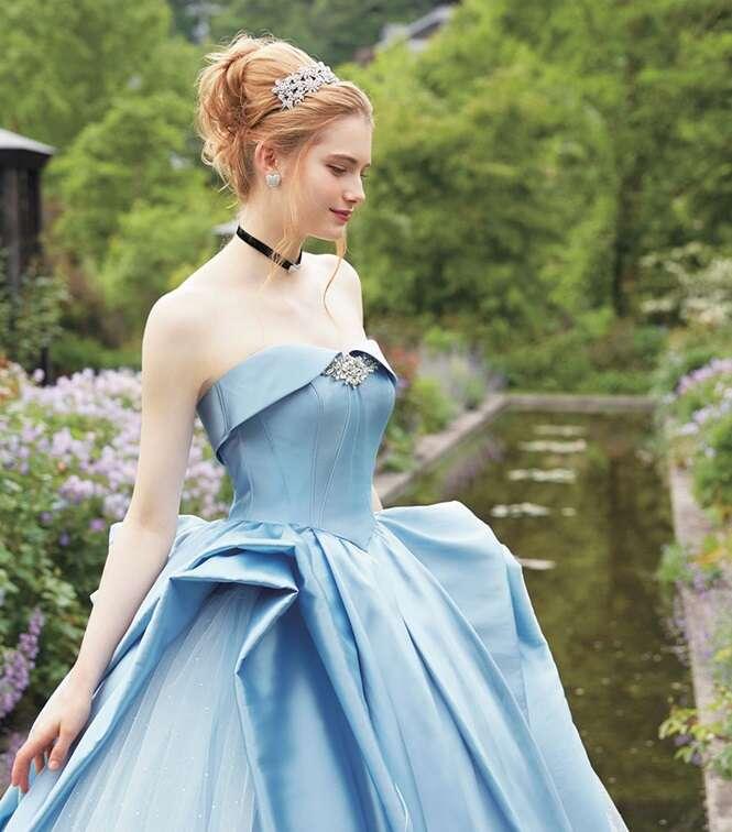 Empresa japonesa transforma vestidos de princesas da Disney em vestidos de noiva