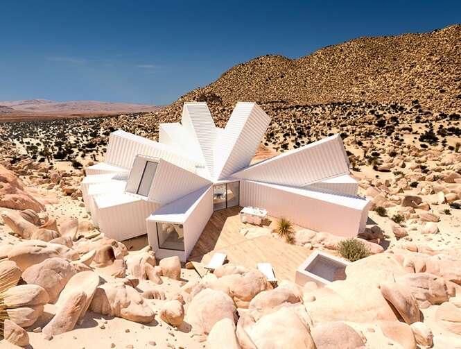 Arquiteto projeta incrível casa de contêineres, cujo interior é tão instigante quanto o exterior