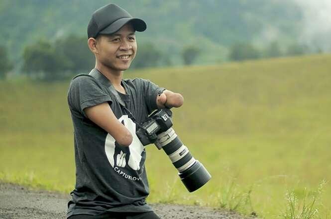 Homem nascido sem mãos e pernas se torna fotógrafo profissional, realizando seu sonho