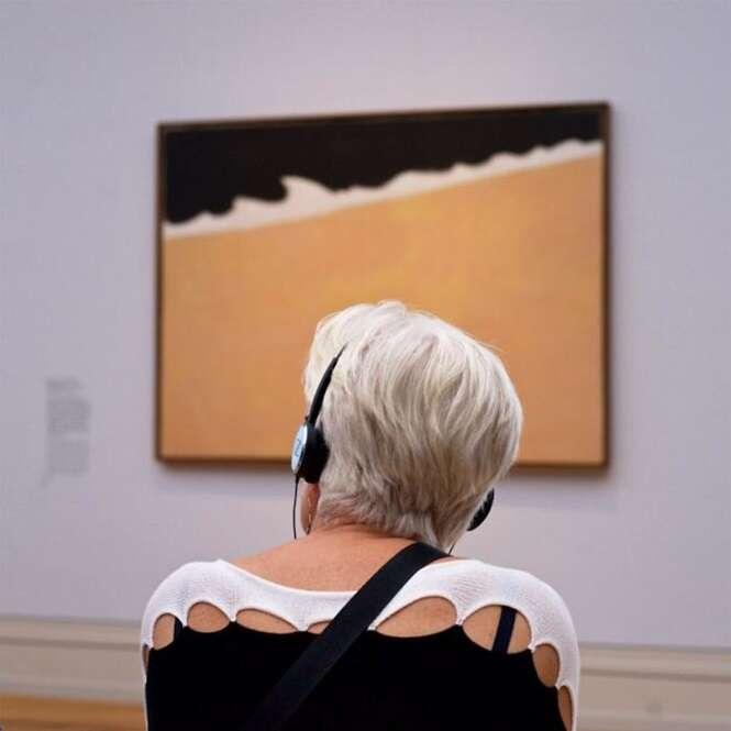 """Fotógrafo espera uma """"eternidade"""" para encontrar pessoas combinando com obras de museu, mas valeu a pena"""